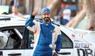 الجبري يهنئ المتسابق مشاري الظفيري لتصدره الجولة الاولى لـ(رالي قطر)