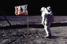 """""""أرتميس"""" تستكمل مهمة شقيقها أبولو.. والهدف """"نساء القمر"""""""