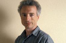 """عالم الكمبيوتر لاري تيسلر الذي ابتكر أوامر """"النسخ والقص واللصق"""" يرحل عن عالمنا"""