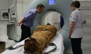 كيف استطاع العلماء الاستماع إلى صوت مومياء مصرية عمرها ثلاثة آلاف عام؟