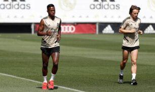 ريال مدريد يعود إلى التدريبات.. وعينه على مواجهة إسبانيول