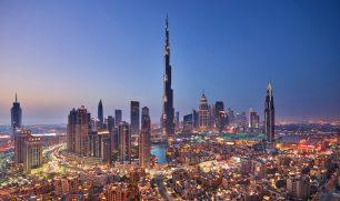 شهر مجانا.. دبي توفر رخصة لشراء الكحول إلى زوارها غير المسلمين