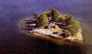 جزيرة سويدية تفتح أبوابها أمام المبدعين مجاناً
