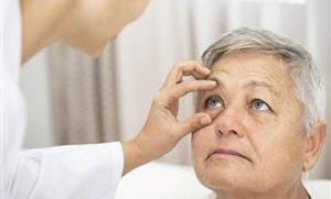 فترات زمنية يجب إجراء فحوص للعين خلالها