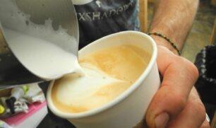مشروبات القهوة الجاهزة تحتوي على سعرات حرارية كثيرة