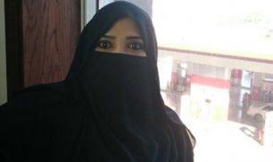 مرفت بخاري.. أول رئيسة تحرير سعودية تعمل في محطة بنزين!