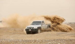 متسابق كويتي يتوج ببطولة الإمارات للراليات فئة الدفع الرباعي (تي1)