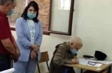 مسن مغربي يجتاز امتحان «البكالوريا» رغم «كورونا» في الـ 79 من عمره..