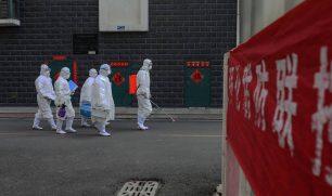 """الصين تطلق تطبيقا ينبه مواطنيها لوجود مصابين بـ""""كورونا"""" بالقرب منهم"""