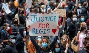 آلاف المتظاهرين ضد العنصرية في تورونتو الكندية