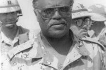 وزير الدفاع ينعى اللواء الركن متقاعد سالم سرور