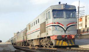 """حبس """"كمسري"""" قطار مصري اجبر شابان على القفز منه بسبب ثمن التذكرة مات احدهما"""