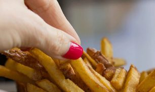 الأطعمة الجاهزة ترفع نسب الإصابة بهذا المرض