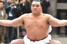 وفاة مصارع سومو عشريني في اليابان بسبب الفيروس