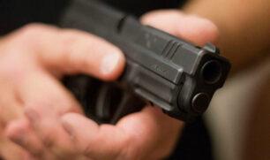 """ضبط نقيب في «الدفاع» هدد رائداً بـ""""الداخلية"""" بالقتل بسلاح ناري في فندق بالعاصمة"""