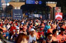 ماراثون شنغهاي يتحدى فيروس كورونا بـ 9000 عداء