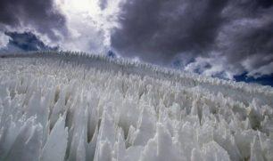 علماء يكتشفون حياة ميكروبية داخل أبراج جليدية في تشيلي