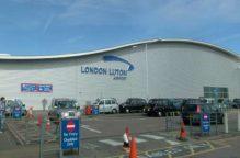 فيديو| مياه الأمطار تغرق مطار لوتون في بريطانيا