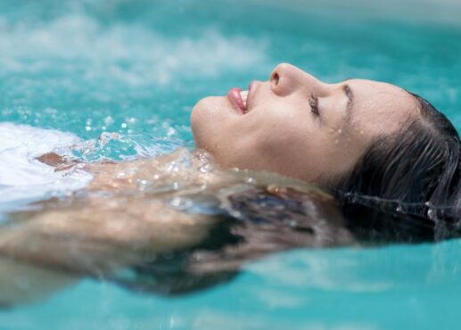 لماذا يتعين على الحامل تبديل ملابس السباحة فوراً؟