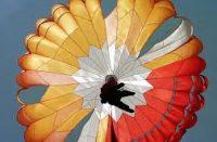 فيديو| مغامر روسي تنتهي رحلته في الهواء بالموت على سطح الأرض