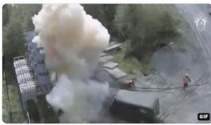 فيديو| عامل ينجو من الموت رغم تعرضه لصعق كهربائي بقوة 6 آلاف فولت