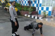 تمارين الضغط عقوبة سياح يتجولون من دون كمامة في بالي